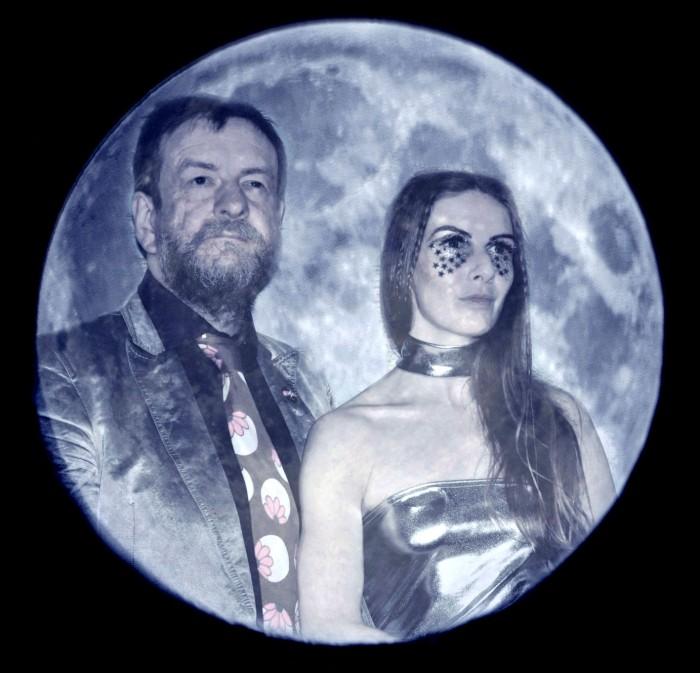 moon us x
